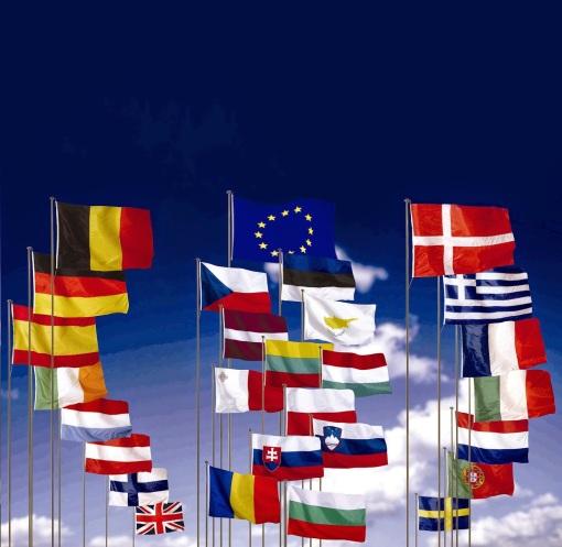 451631_318396_banderas_UE