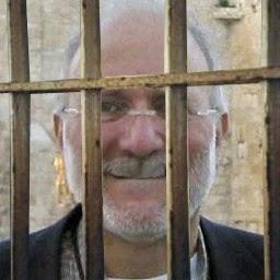 https://orlandolunes.files.wordpress.com/2015/01/9b1ca-alan-gross-cuba-prison.jpg?w=400&h=400